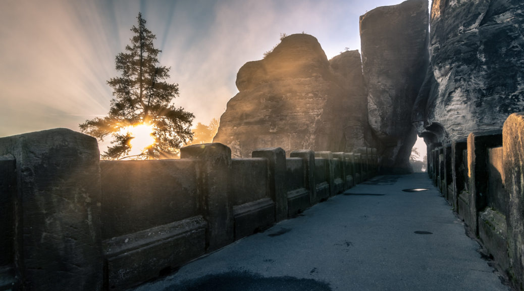 Bastei Basteibrücke Nebel Sächsische Schweiz