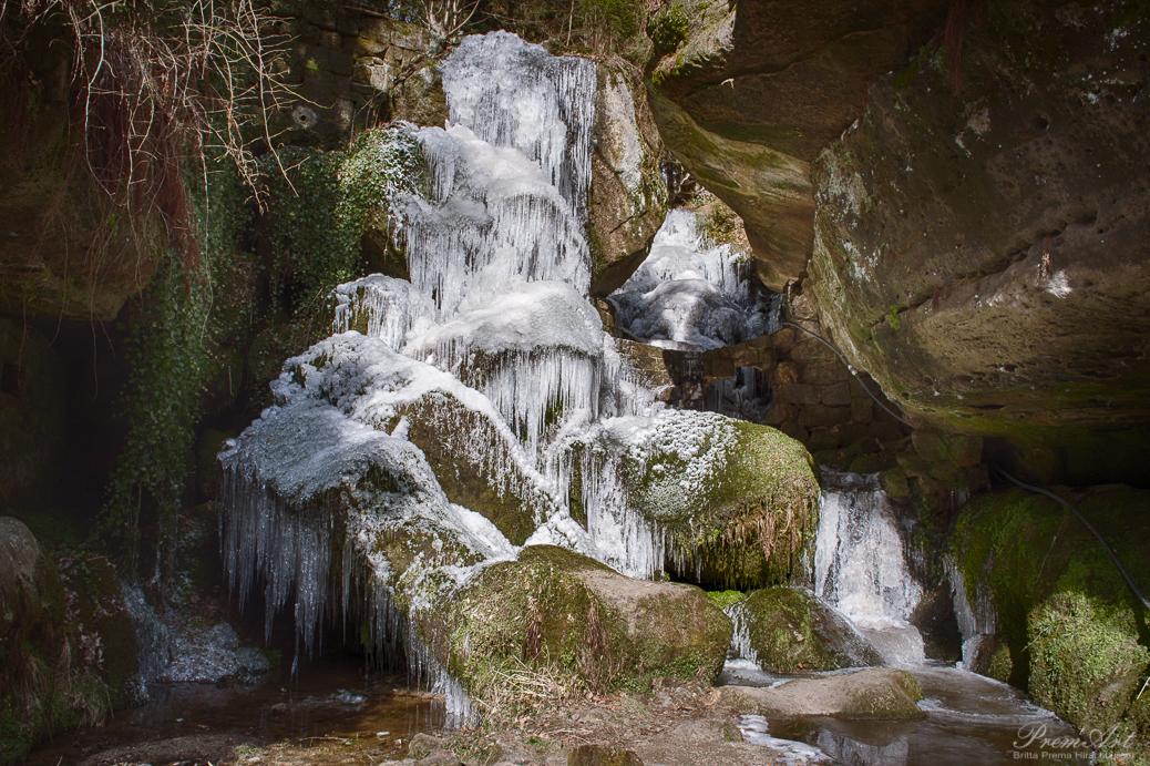 Lichtenhainer Wasserfall im Winter