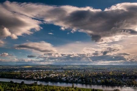 Blick über Elbe auf Dresden-Ost